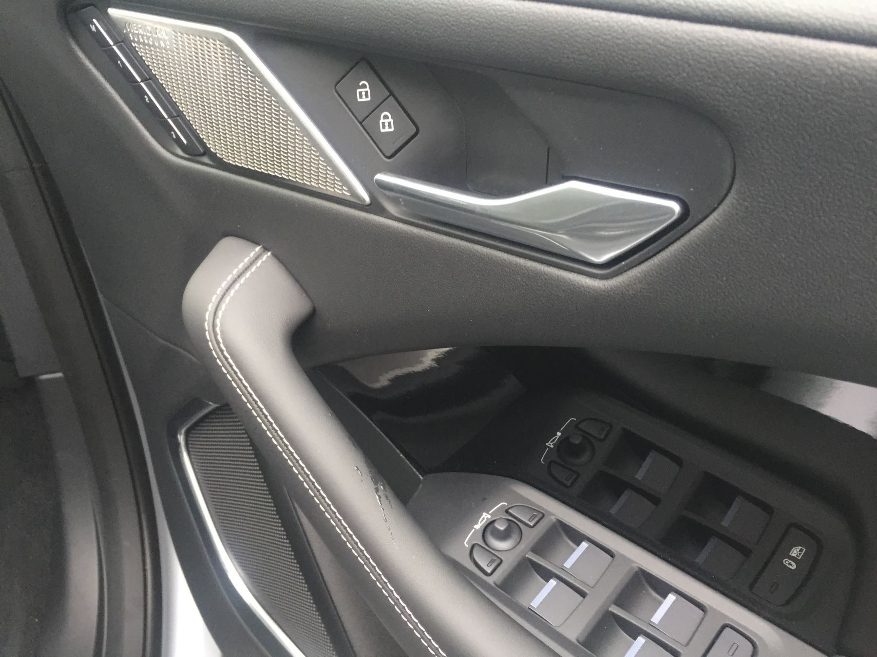 Jaguar I-PACE 90kWh EV400 HSE image 14